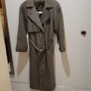 Brem Rainwear size 8